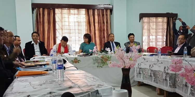 A joint meeting of legislators and district officials of West Karbi Anglong district from Assam, West Jaiñtia Hills and Ri-Bhoi district from Meghalaya being held at Nongpoh, the district headquarter of Ri-Bhoi district on Thursday. Photo: Northeast Now