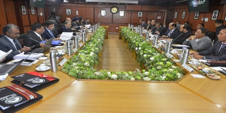 Nagaland chief minister Neiphiu Rio and state government officials at a meetiing with 15th Finance Commission officials in Kohima on Wednesday. Photo: Bhadra Gogoi
