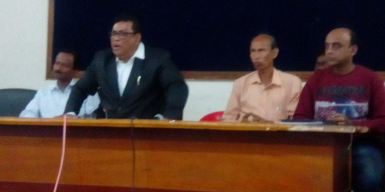 Human Rights activist, Debashis Sur addresses media in Guwahati. Photo: Northeast Now.