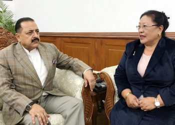 Newly-appointed member of National Commission for Women Soso Shaiza calling on the Minister of State for Development of North Eastern Region, Dr. Jitendra Singh, in New Delhi on December 3. Photo credit :Northeast Now.