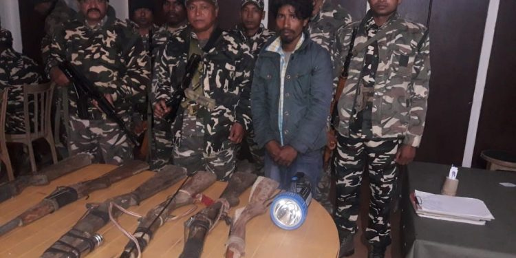 The weapons seized by SSB personnel. Photo credit: Northeast Now.