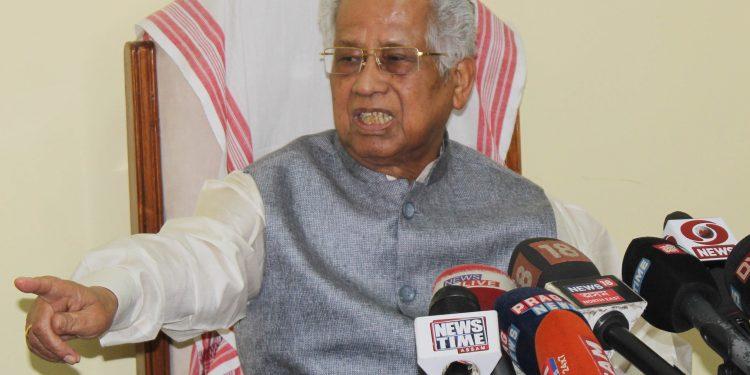 Former Chief Minister of Assam, Tarun Gogoi addresses media  at Guwahati on Thursday. UB Photos.
