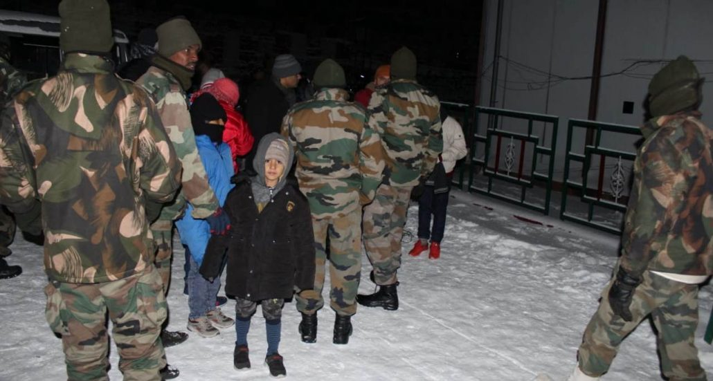 Sikkim: Army rescues over 2,500 tourists stuck due to heavy snowfall 2