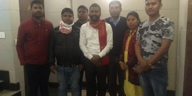 7 detained activists