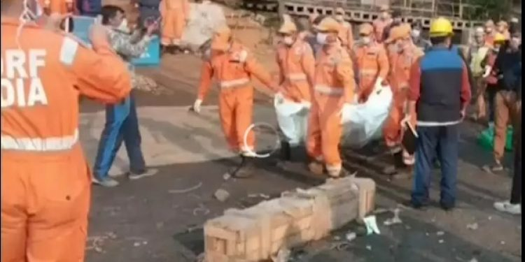 A body being retrieved from coal mine.  (File  image)
