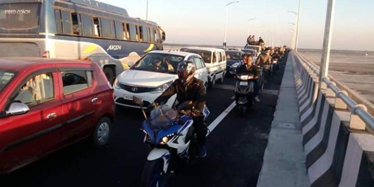 Heavy rush of New Year's Day revelers on Bogibeel Bridge on Tuesday. Image: Northeast Now.