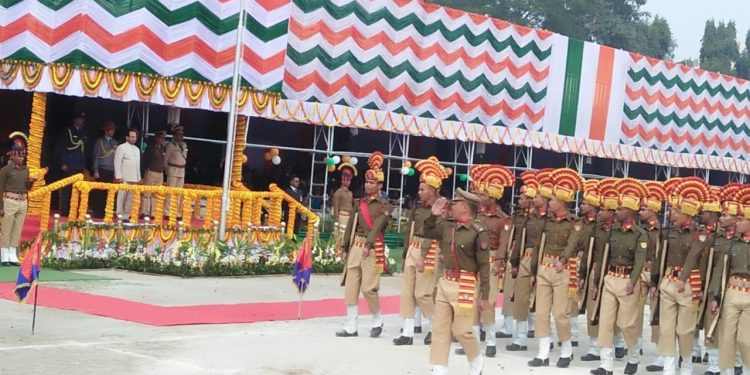Governor Jagdish Mukhi hoists tricolour in Guwahati