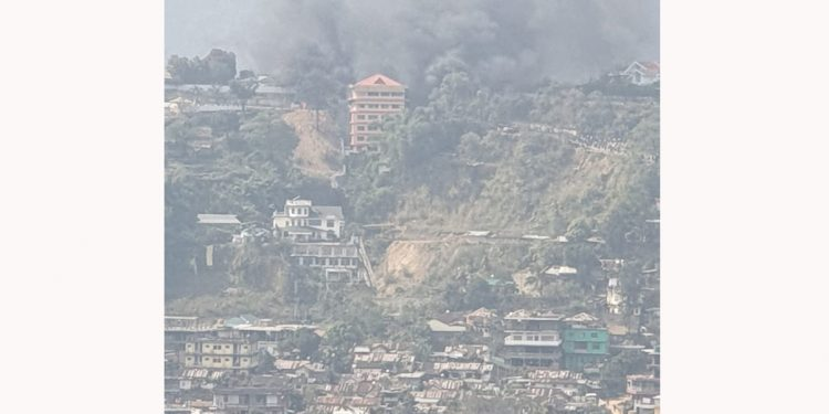 Arunachal violence escalates; Dy CMs house, DC office, SP office, Itanagar Police station vandalized