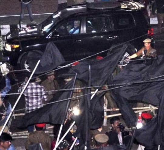 Black flags welcome PM Modi in Guwahati 4