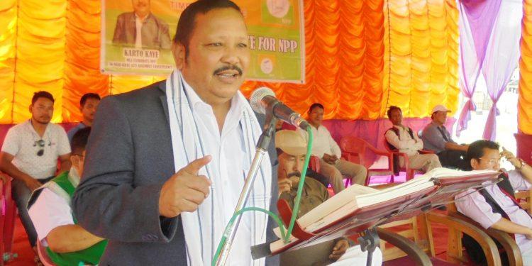 NPP candidate Karto Kaye addressing a meeting in Nari Mopin on Friday.