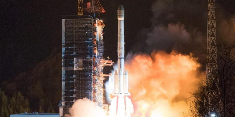 """The """"ChinaSat 6C"""" satellite is launched by a Long March-3B carrier rocket from the Xichang Satellite Launch Center in southwest China's Sichuan Province on Sunday. Image credit: Xinhua"""