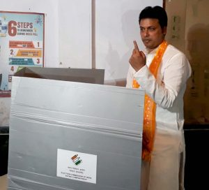 Chief ministers across Northeast cast vote in Phase 1 of LS polls 3