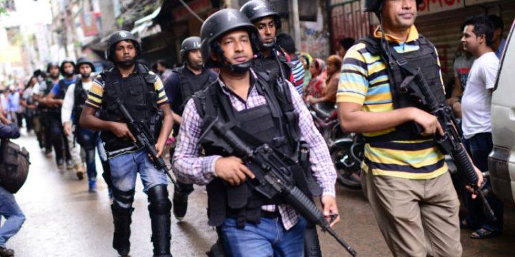 Bangladesh police. Image  credit: Yahoo News