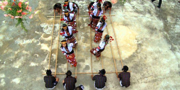 Cheraw dance of Mizoram