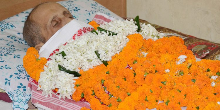 29-05-19 Guwahati- Benu Mishra last rites (5)