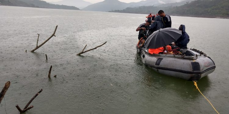 Naval diving team was airlifted from Visakhapatnam by an IAF aircraft to Imphal .