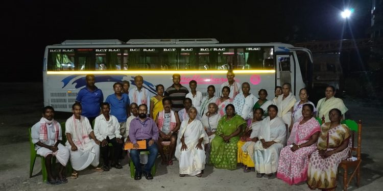 Assam tourists and travellers from Odisha reach home 1
