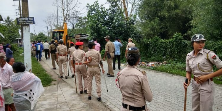 Dibrugarh district administration along with the Dibrugarh Municipal Board on Thursday launched a massive drive to evict encroachers. Image: Northeast Now