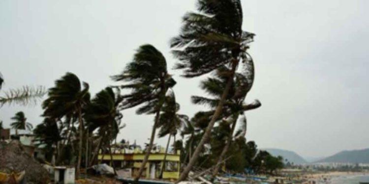 cyclone fani at vishakhapatnam
