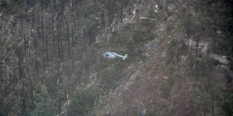 IAF mountaineers, Army Special Forces personnel and local mountaineers were dropped off at the closest possible location to the crash site.