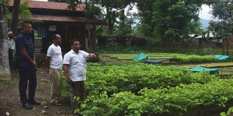 MINISTER SHYAMKUMAR AT FOREST BEAT OFFICE, KANGLATONGBI -2 (1)