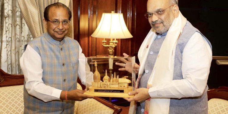 Jagdish Mukhi with Amit Shah