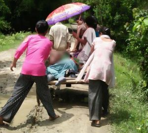 No bridge, Assam students reach schools, colleges on country boat! 1