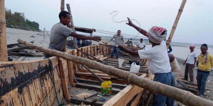 Boat-making in Sayengiya village. Image credit - Farhana Ahmed