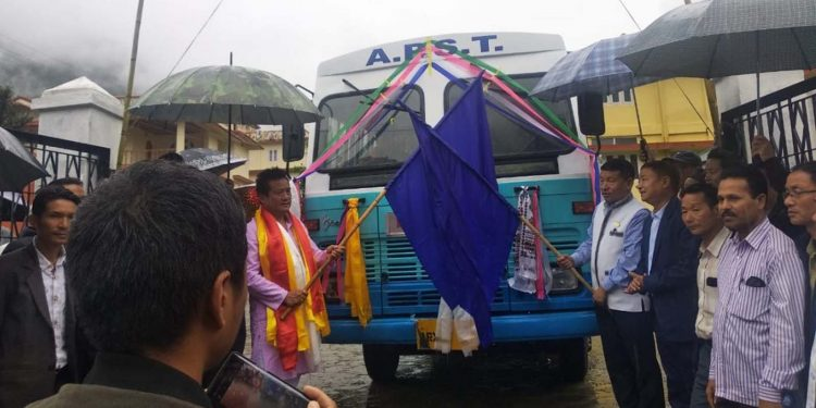 New APSTS bus service being flagged off by MLA Dongru Siongju and Nafra ADC KN Damo. Image credit - Northeast Now