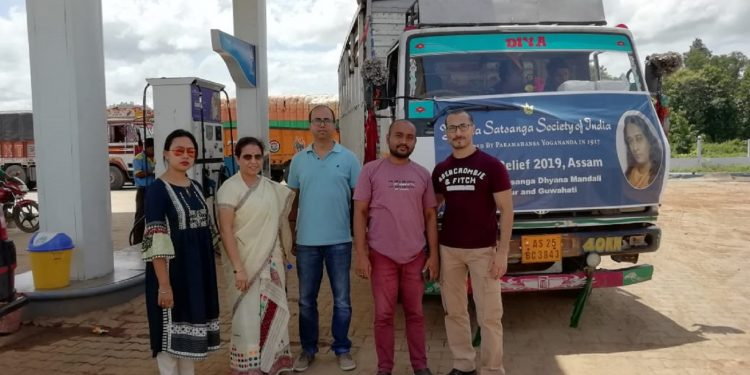 YSS team with flood relief materials. Image: Northeast Now