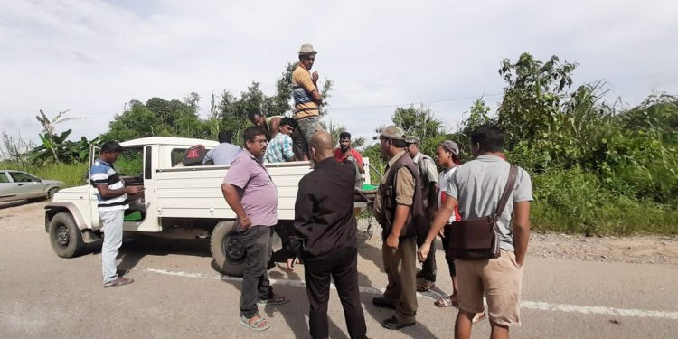 Checking being conducted in Assam-Meghalaya border districts after NRC publication. Image: Northeast Now