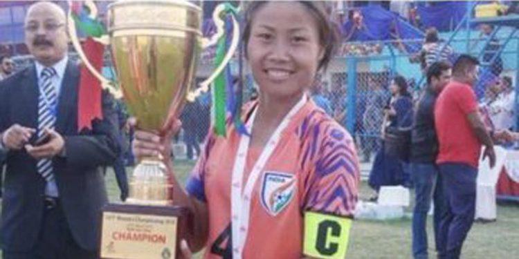 Manipur's L. Ashalata Devi declared woman footballer of the year 2019-20 1