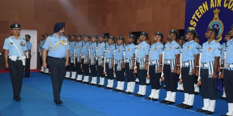 Chief of air staff, air chief marshal BS Dhanoa at EAC headquarters in Shillong on Friday. Image credit: Twitter/EAC