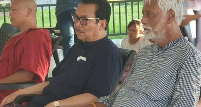 Sculptor Biren Singha with Arunachal Pradesh deputy CM Chowna Mein in Namsai on Saturday.