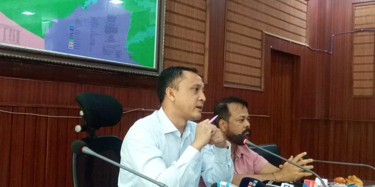 Kamrup Metro deputy commissioner Biswajit Pegu addressing the media in Guwahati on August 8, 2019. Image: Northeast Now