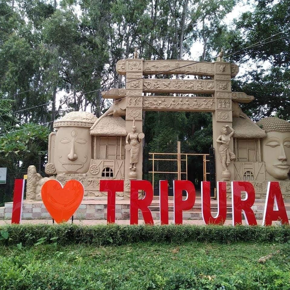 Tripura CM inaugurates two selfie point in Agartala 1