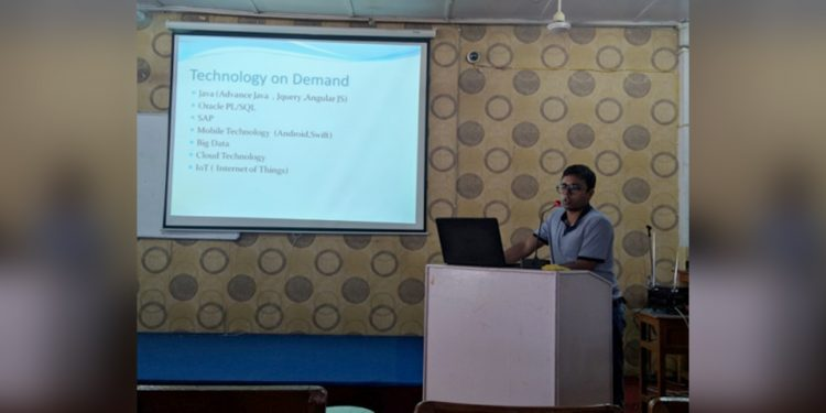 TCS assistant consultant Dibyajyoti Das interacting with GIMT students. Image: Northeast Now