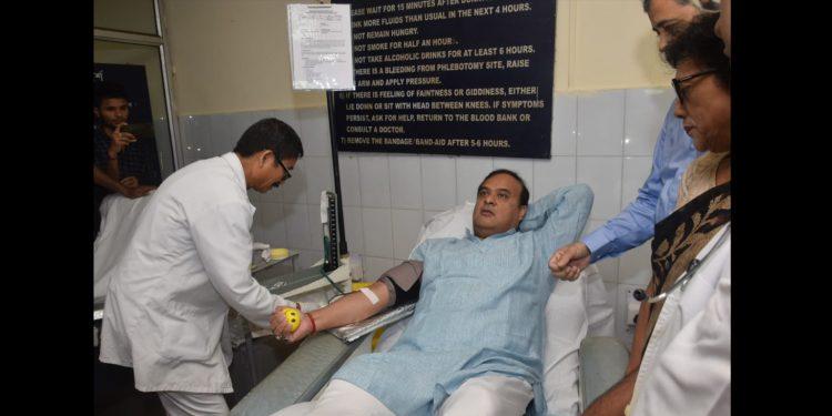 Himanta Biswa Sarma donating blood at GMCH on Saturday. Image credit: Twitter