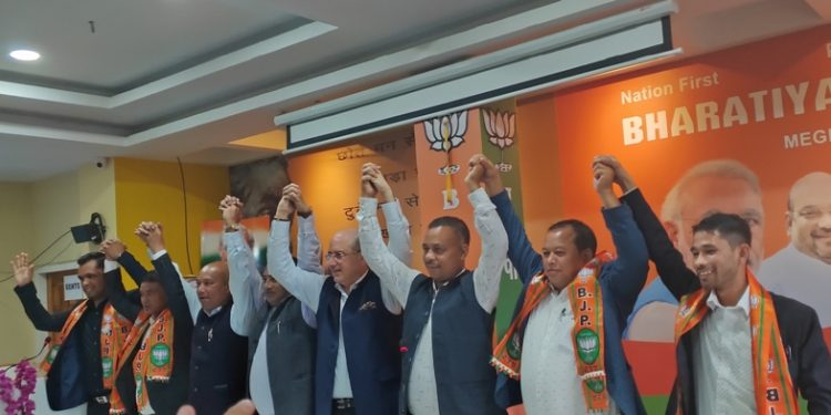 Four MDCsfrom theUnited Democratic Party (UDP) join the BJP in Shillong on Saturday.