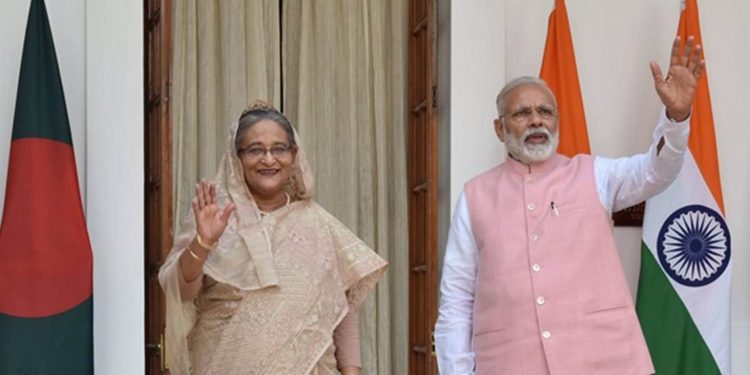 Bangladesh PM sheikh Hasina with Indian PM Narendra Modi (File image)