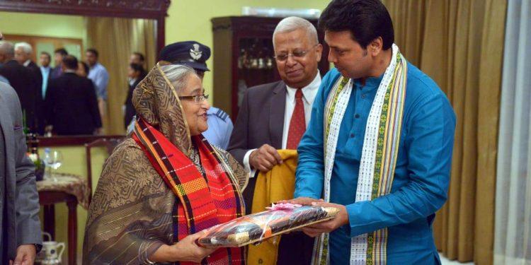 Tripura chief minister Biplab Deb with Bangladeshi Prime Minister Sheikh Hasina in New Delhi. (File image)