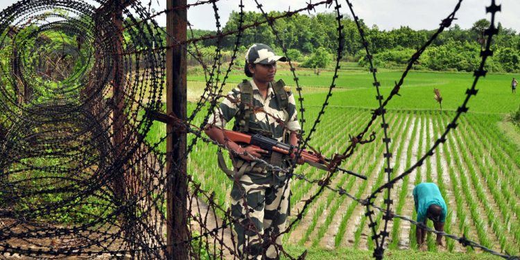 Bangladeshi soldiers nabbed in India