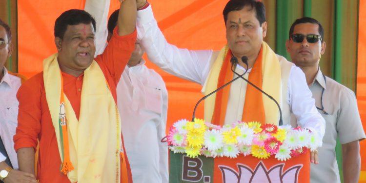Assam CM Sarbananda Sonowal addressing a gathering at Son Beel on Monday.