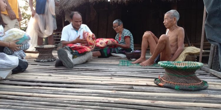 Blankets and other essentials distributed among villagers. Image: Northeast Now