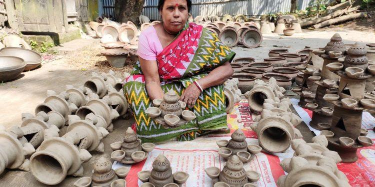 Diya makers of Dhubri