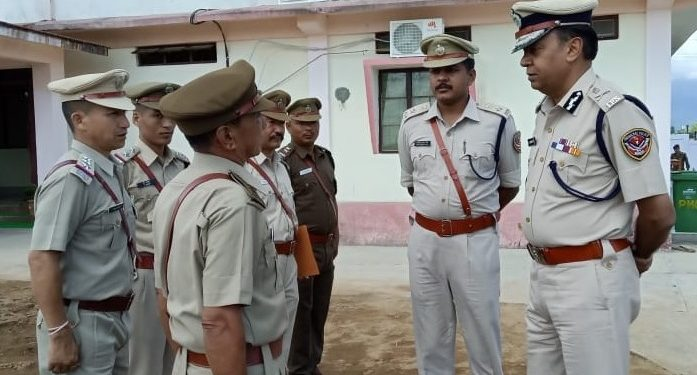 DGP RP Upadhyay interacting with the security personnel.