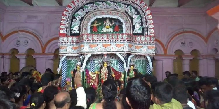 People offering prayer at Durga Bari at Agartala on October 7, 2019. Image: Northeast Now