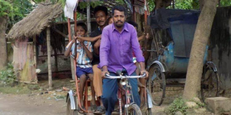 Rickshaw puller Gaur Das