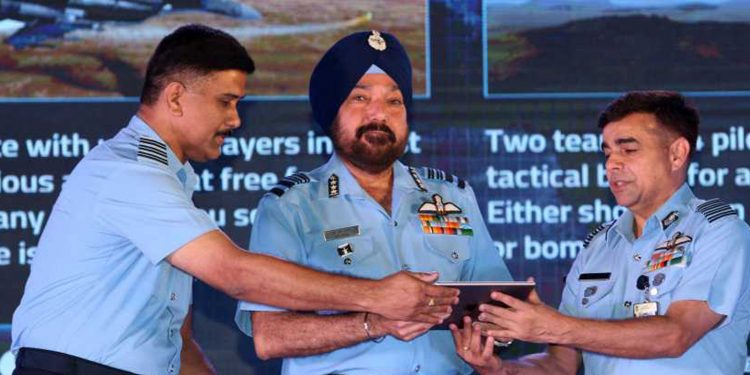 Air Marshal HS Arora AVSM, ADC (centre) launching the mobile app. Image credit: Twitter