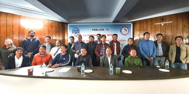 Arunachal Speaker PD Sona with other dignitaries with SYDOA members. Image: Northeast Now